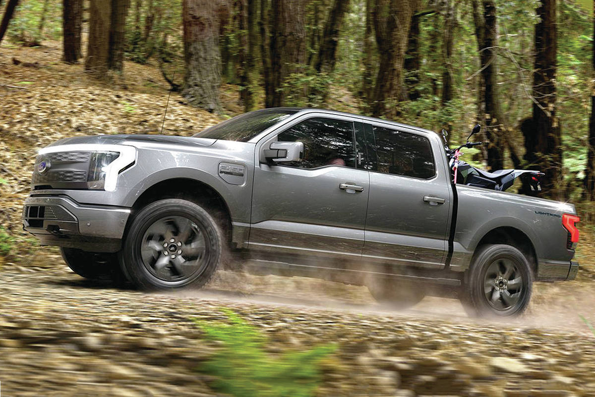 The Ford F-150 Lightning goes on sale in 2022 with a choice of regular- and extended-range battery packs. As such, horsepower and range differ between models. PHOTO: FORD